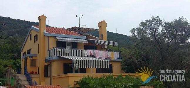 Casa Eva, Grabar